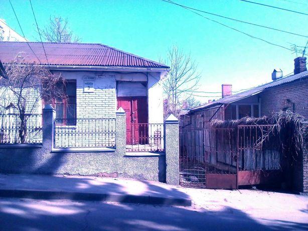 Продам часть дома по ул Милиционная 3. 2комнаты + кухя и туалет с ванн