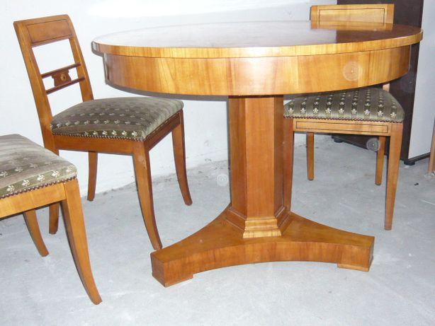 Okrągły stół Biedermeier w okleinie czereśniowej