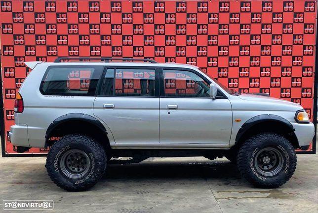 Viatura para PEÇAS Mitsubishi Pajero Sportwagon 2.5 TD  01´