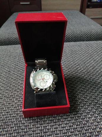 Zegarek firmy FLR quartz
