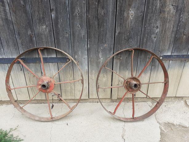 Stare metalowe koła