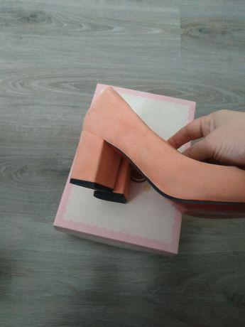Туфли женские. Новые.Розовые. Пудра. Замшевые.