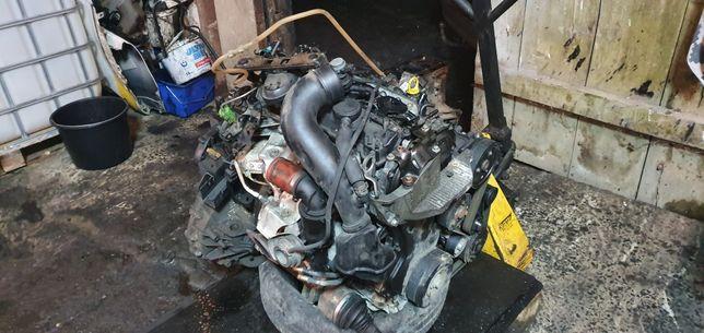 Детали двигателя / навесное / двигатель Renault Master III 2.3DCI M9T