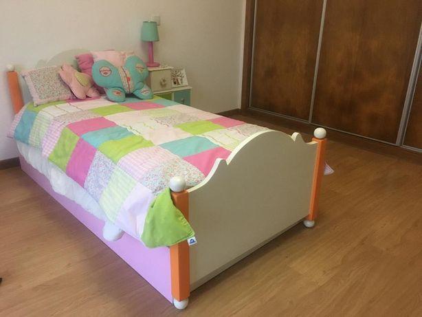 Mobília Criança Colorida