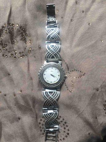 Шикарные серебряные часы!!! 77 гр.