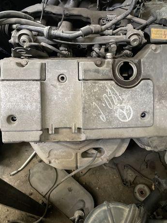 Мотор меседес ОМ111