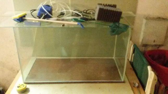 Akwarium z wyposażeniem 100litrów