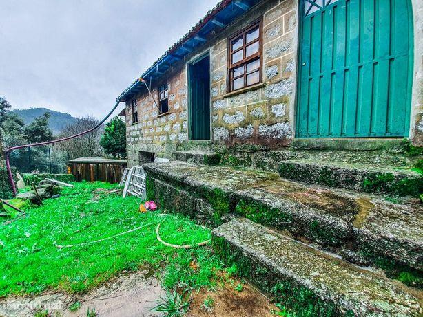 Casa Rústica com terreno em Terras de Bouro