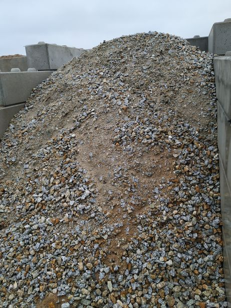 Granit ba 0-31,5 tłuczeń-kruszywo do utwardzania transport