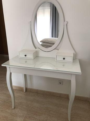 Toucador com espelho e banco IKEA