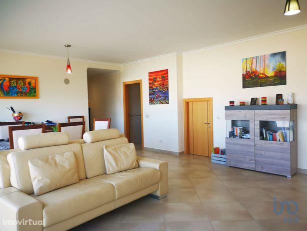 Apartamento - 166 m² - T3