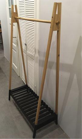Drewniany stojak/wieszak na ubrania