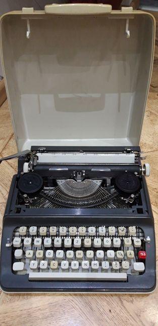 Maszyna do pisania walizkowa vintage, PRL