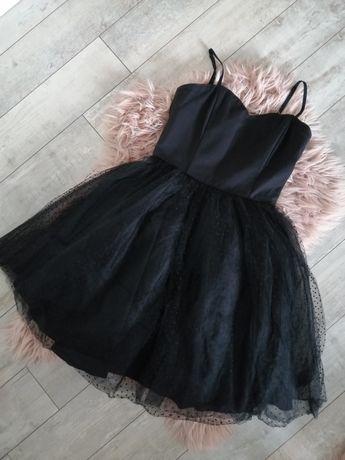 Czarna sukienka rozkloszowana gorsetowa z tiulem