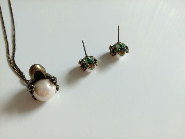 Wisiorek, kolczyki żaba-kolekcja Avon