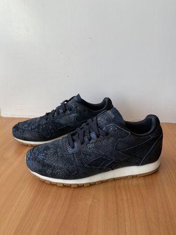 Кроссовки спортивные Reebok,ориг,новые,размер 37,летние,черные,беговые