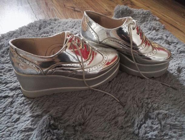 Ekstra buty lustrzane na koturnie, 38