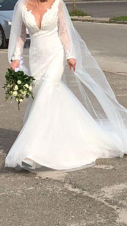 Весільна сукня плаття шлейф