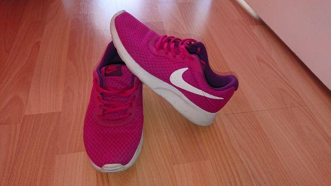 Nike tanjun damskie r. 37.5