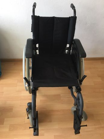 Wózek inwalidzki Action konstrukcja aluminiowa