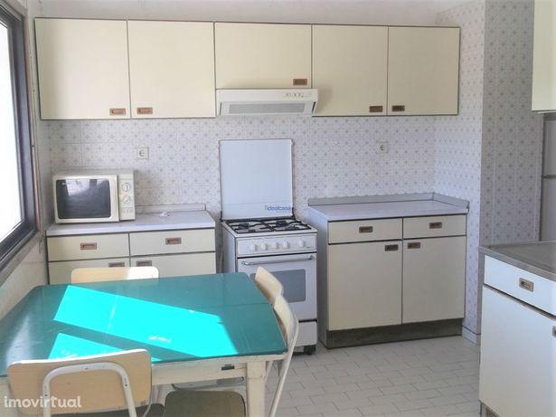 Apartamento T2 mobilado nos Olivais, em Coimbra