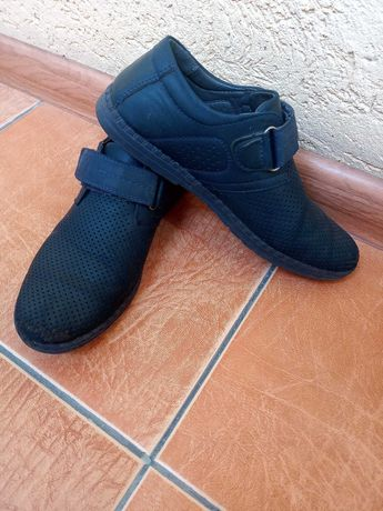 Туфли 250 ₽ , для мальчика р. 34.