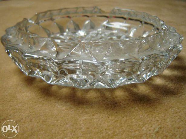 Cinzeiro em vidro maciço