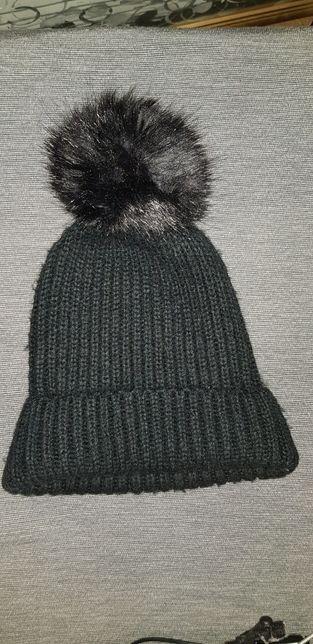 Czarna czapka Zara gratis 2 czapka szara