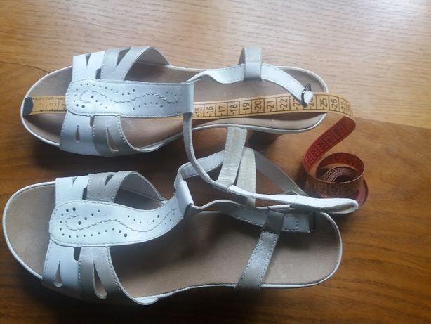 Nowe Sandały sandałki Rieker na obcasie 39