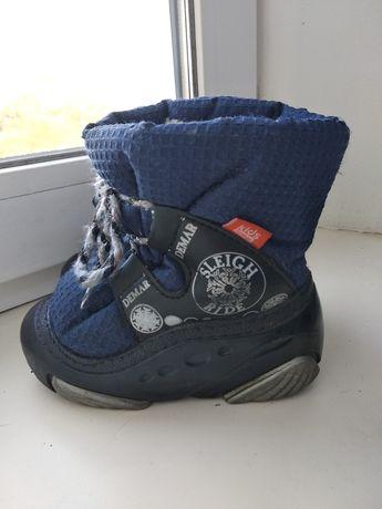 Ботинки  зимние Demar 24-25 размер.