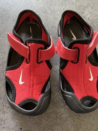 Sandałki czerwone Nike Sunray 22 (14 cm)