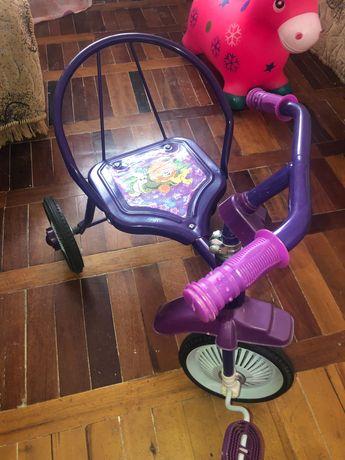 Велосипед для малышей трёхколёсный
