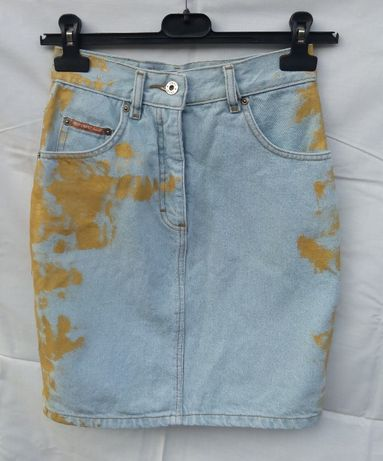 Джинсовая юбка классика с принтом
