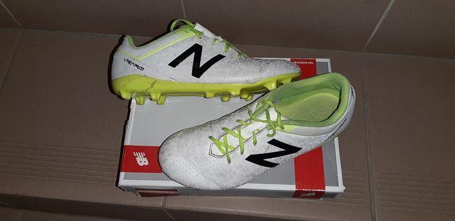 Buty piłkarskie , korki New Balance