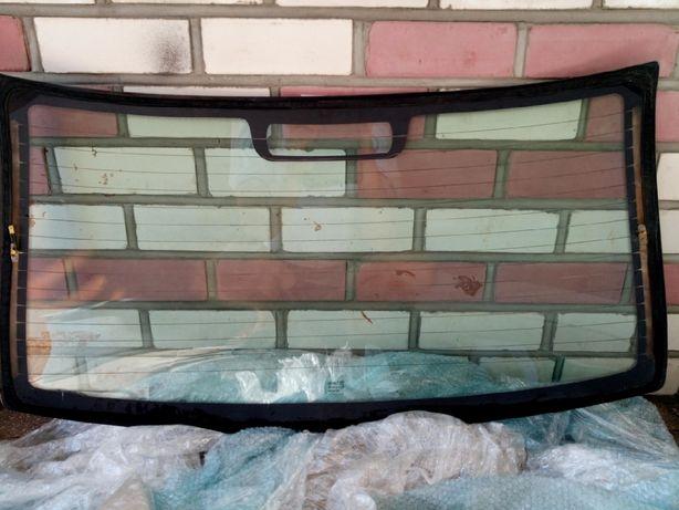 Продам зднее стекло ВАЗ-2112