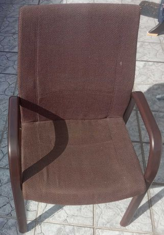 Krzesła biurowe Interstuhl gięte drewno
