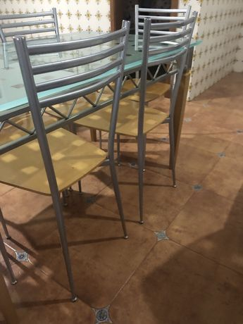Conjunto mesa cozinha com cadeiras