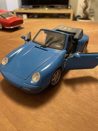 Model Porshe 911 Carrera Maisto 1/18