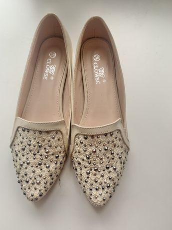 Туфли бежевые, светлые, новые, 38 размер
