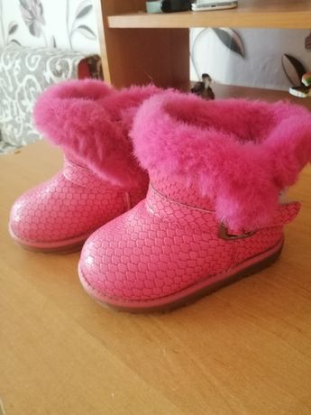 Зимнние сапоги для девочки