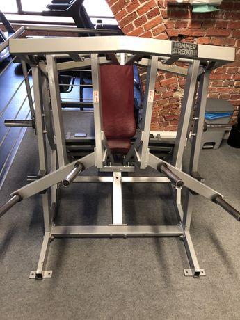 Maszyna na nogi Hammer Strength