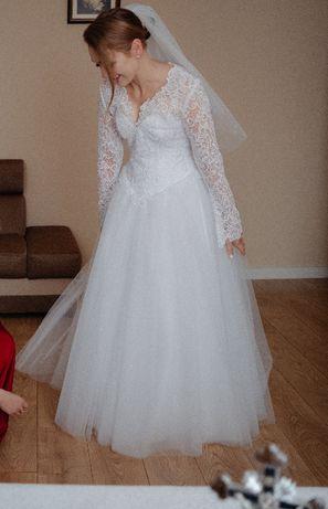 Suknia ślubna - gorset, długi rękaw z koronką. Ciechanów