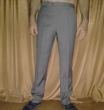 Шерстяные брюки Armani Collezioni, классический фасон, L, 48-50