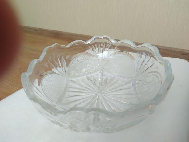 Продам хрустальную вазу времен СССР