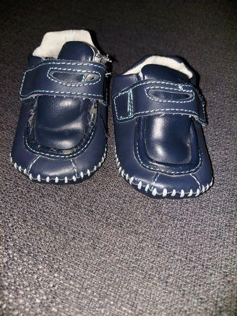 Buty niechodki dla chłopca 0-6 miesięcy