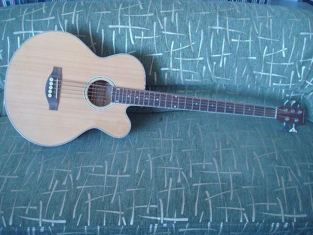 Продам электро акустическую бас гитару (5 струн)