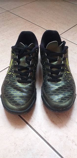 Nike turfy