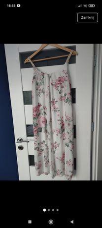 Zwiewna, lekka sukienka w kwiaty
