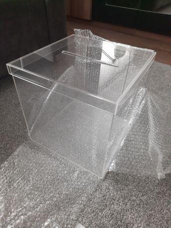 Pudełko przezroczyste na koperty