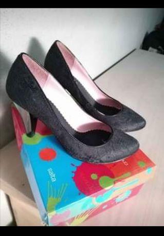Sapatos  altos pretos